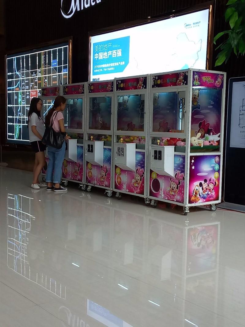 邢台市美女炫舞跳舞机泡沫机泡沫机七彩云朵机出租