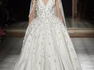 杭州婚纱定制,在杭州定制一套婚纱费用大概多少