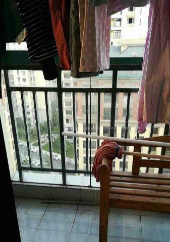 世贸绿洲 市中心高档小区 3室1厅1卫 拎包入住