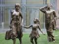 深圳玻璃钢雕塑,深圳市鑫泰玻璃钢科技有限公司