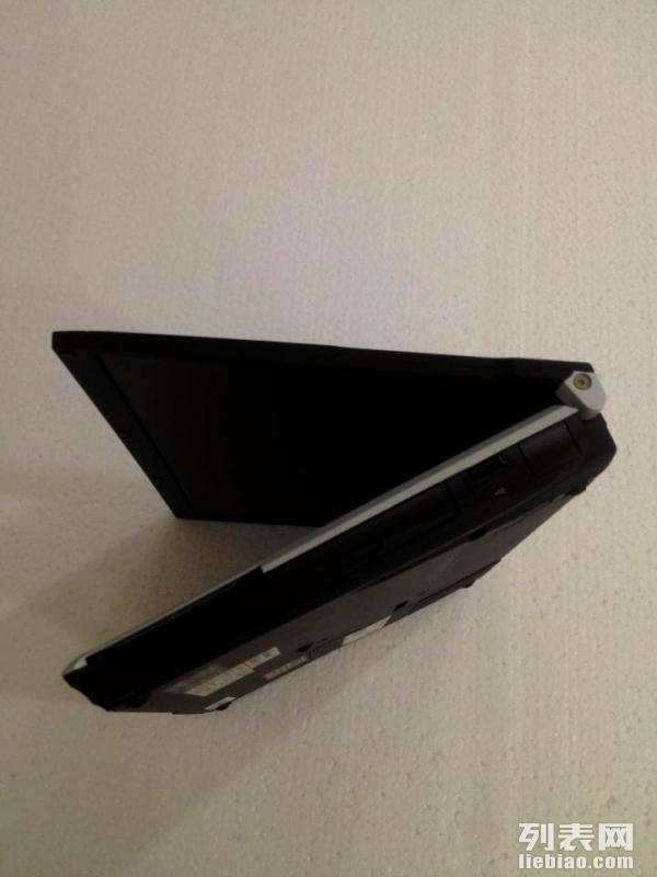 富士通酷睿2双核宽屏12寸笔记本