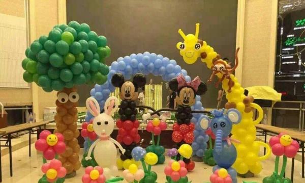 重庆气球装饰气球布置气球策划商场会展活动生日宝宝宴图片