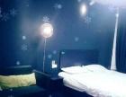 一室一厅,有独立卫生间,24小时热水