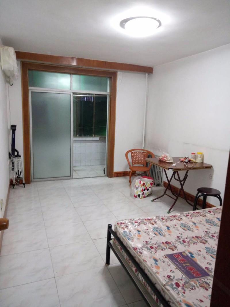 西兰路 自来水家属院 1室 1厅 43平米 整租