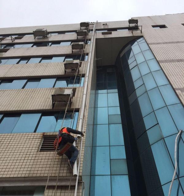 清洗玻璃,外墙安装拆除,外墙排水管,玻璃门维修安装
