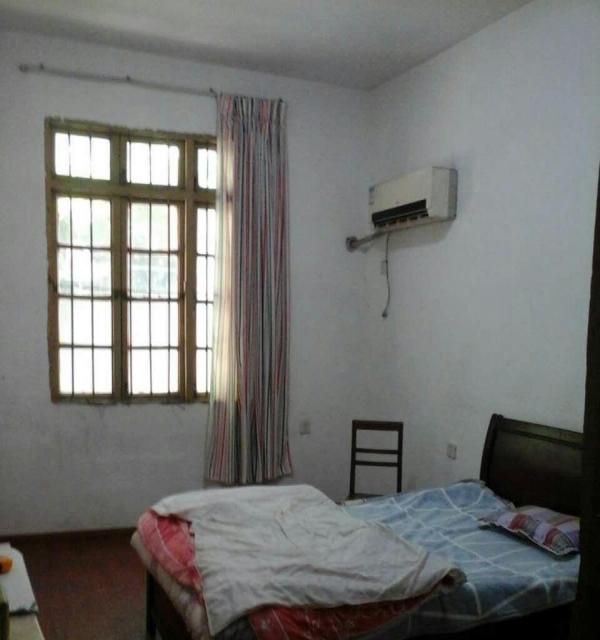 孺子路一楼带院子的三室一厅员工住宿或仓库放货首选