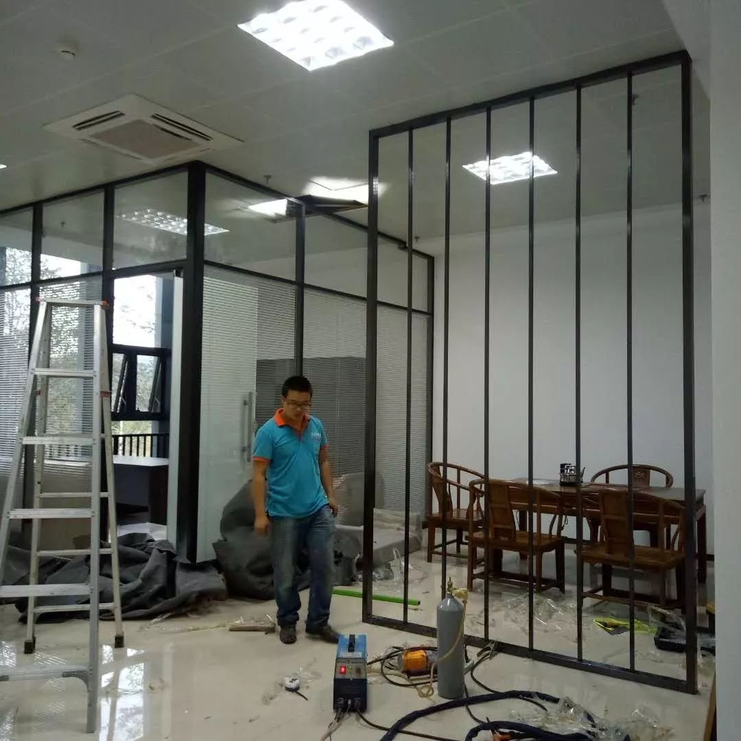 厦门玻璃隔断,不锈钢玻璃隔断墙,双玻百叶隔断墙,石膏板隔断墙