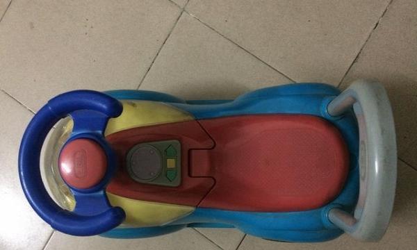 卖一儿童电动车,一玩具车