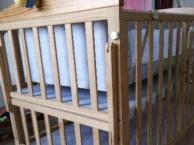小龙哈彼婴儿床带摇床,可加长,孕婴店600多买的,床铃一