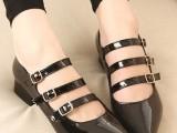 2014春季日本单vivi杂志款森女女鞋漆皮尖头镂空T带粗跟单鞋