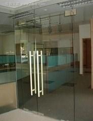 西直门专业安装玻璃隔断安装玻璃门免安装费