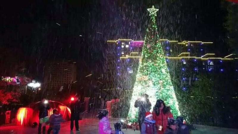 电视拍摄效果雪花机,商业氛围飘雪机淄博雪花机