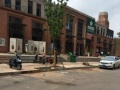 双小区大门口沿街商铺出售,地铁口,博览中心对面