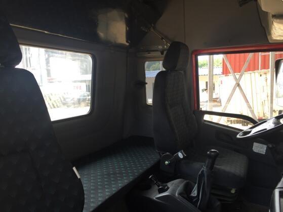 原厂库存车特卖 9.6m单桥青岛解放新悍威220