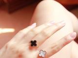 韩版四叶草黑色玛瑙白色珍珠贝壳戒指玫瑰金男女情侣钛钢饰品批发