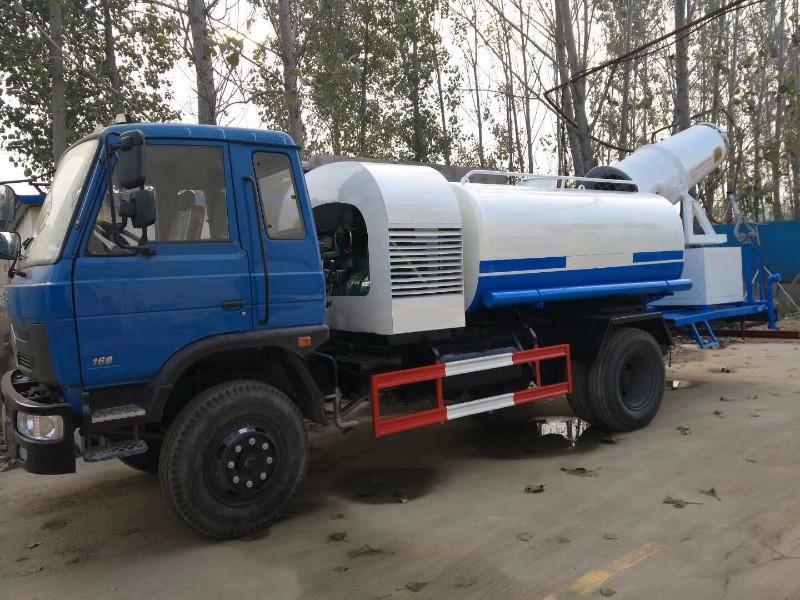 南充生产绿化洒水车的厂家 出售5吨10吨绿化洒水车货到付款
