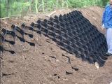 土工格室主要用于地基斜坡的加固