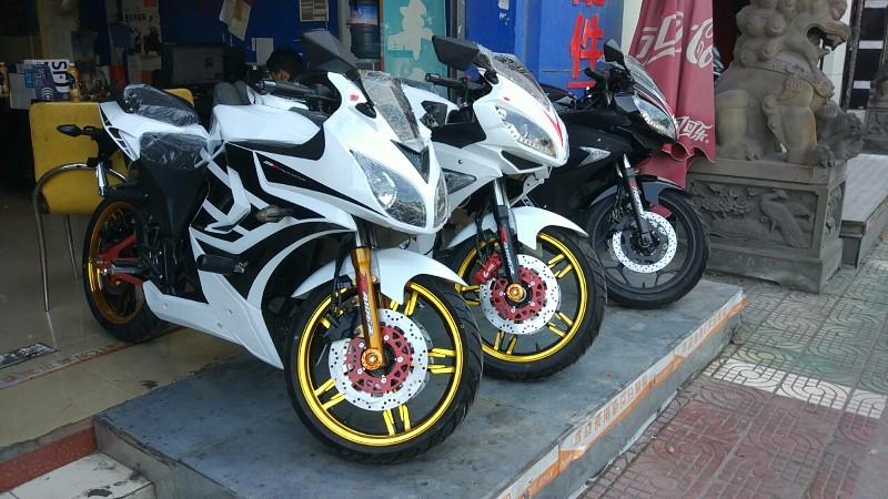 不是老顶坡 不是老顶坡 摩托车专卖店 摩托车批发
