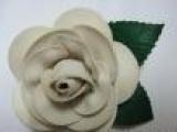 供应PU皮革特殊处理皮料鞋花,头饰花,特殊胸花,手工花,花饰加工