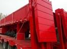 定做出售勾机板半挂车可改装液压爬梯1年0.1万公里5.2万