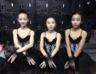 学习芭蕾舞是不是很辛苦,练习什么舞蹈比较适合小孩子