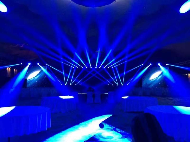 北京新飞文化专业线阵列音响租赁 灯光租赁,舞台搭建设备租赁