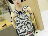 新款韩版女包帆布包个性迷彩双肩背包时尚休闲撞色学生书包批发