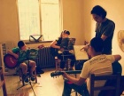 苏家屯区乐器行卖乐器教学吉他古筝小提琴架子鼓竹笛