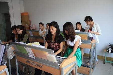 哈尔滨双排键培训学校老师 哈尔滨双排键培训学校