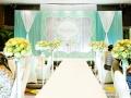 酒店布置+司仪+摄像+跟妆+婚车鲜花=2580