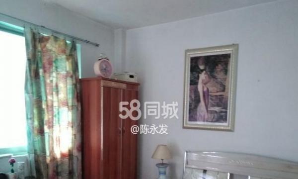 荷花园2房1 全套齐全 装修清点 价格便宜!楼层偏高