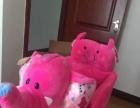 宝宝摇摇木马。红色大象