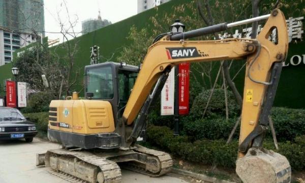 挖掘机三一重工三一55挖掘机出售