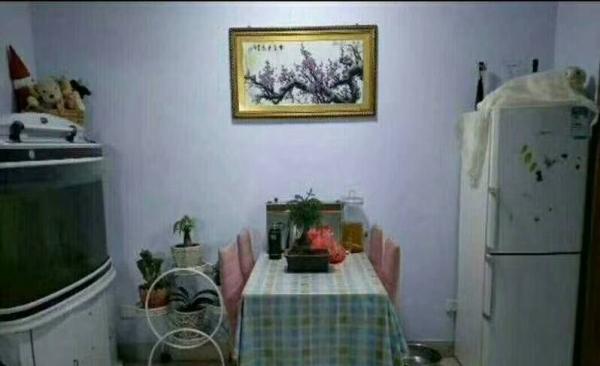 盛世华园精装3室,家具家电齐全,招合租,拎包就住。