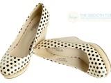 时尚新款单鞋乐薇呛口小辣椒甜蜜圆点漆面浅口坡跟女秋鞋