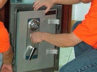 新华区石清路汇郡城e区附近开锁 换锁 修锁
