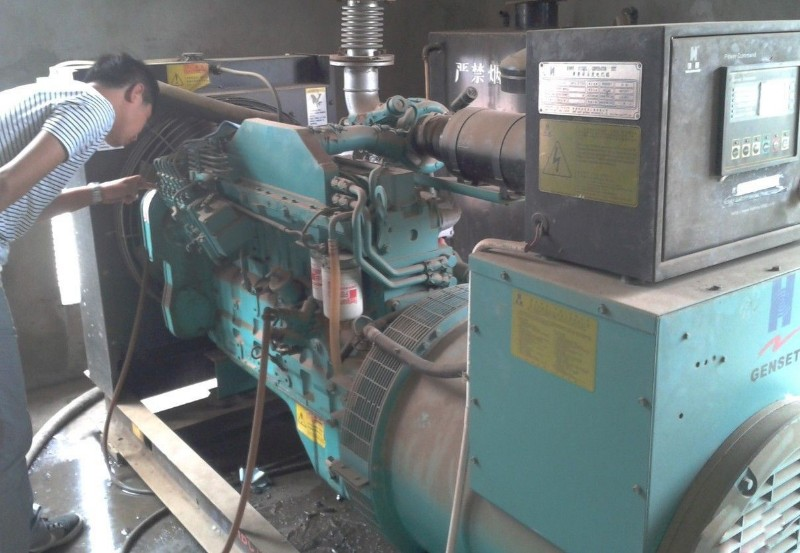 珠海康明斯发电机回收多少钱一台