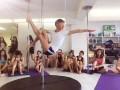 贵阳钢管舞培训哪家专业?贵阳聚星钢管舞爵士舞培训包考证
