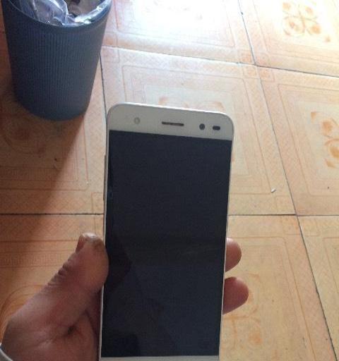 出售中兴A2手机一部380元