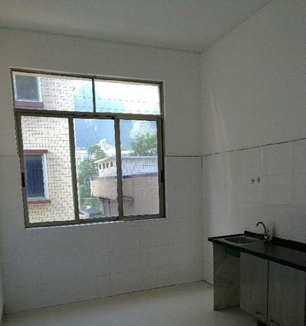 桂西北车辆管理所住宿区 1室1厅1卫