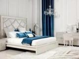 成人套房床、床头柜、妆台+妆凳+妆镜、五