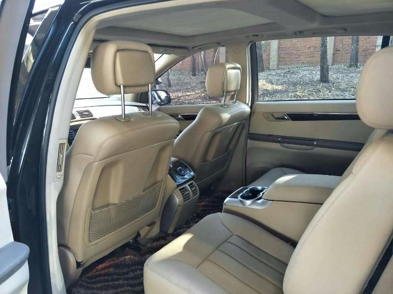 出售奔驰R500 手自一体价格便宜无重大事故非盗抢水淹 抵押