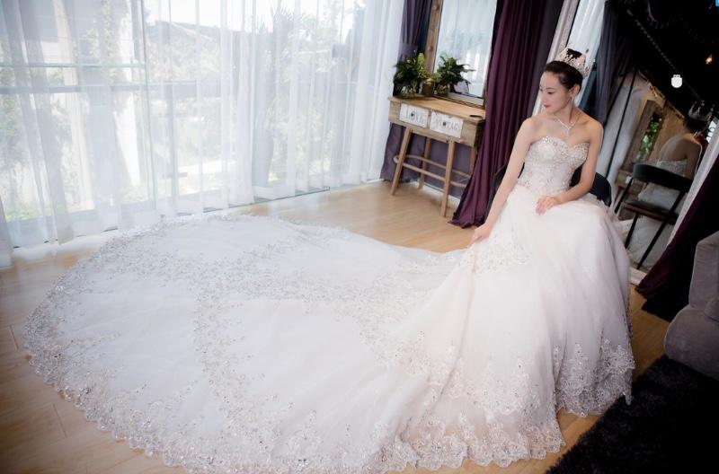 昆明婚纱礼服出租 昆明哪里有婚纱礼服出租出售 唯ta蜜婚礼