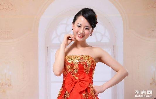 晋江周边新娘婚纱礼服定制 新娘红色婚纱礼服专卖图片