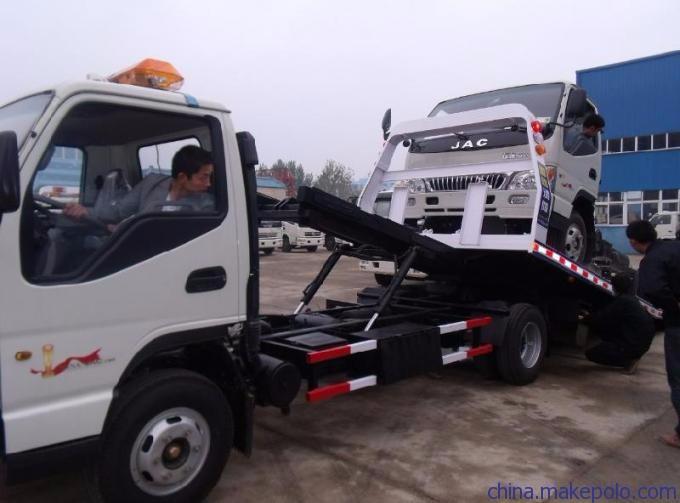 龙岩道路救援公司 龙岩拖车电话 龙岩汽车救援价格