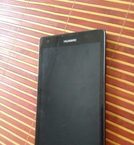 闲置的华为g700_u00联通版手机
