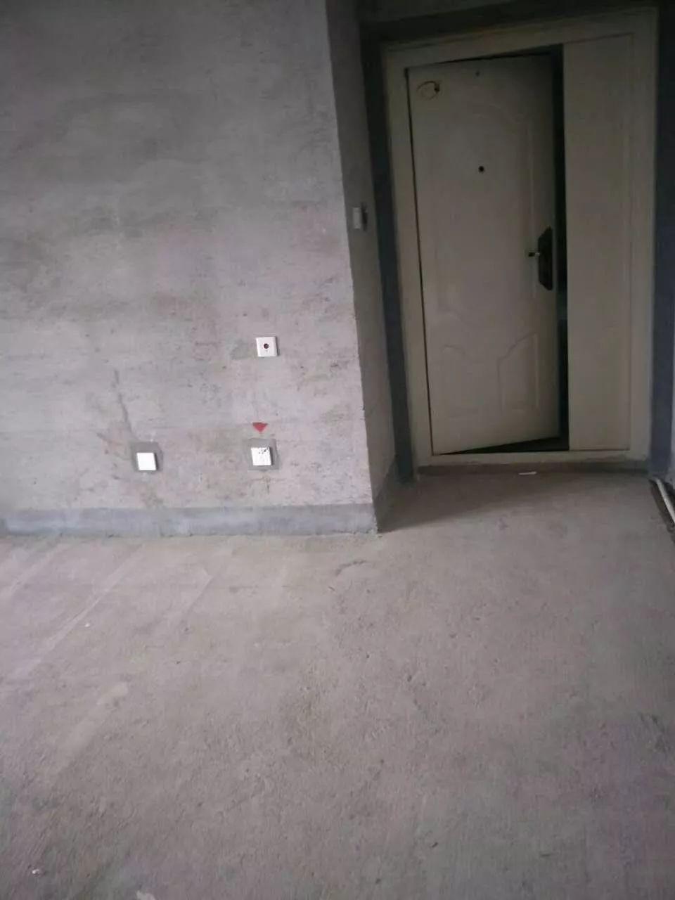 建业桂园 3室 2厅 131平米 出售