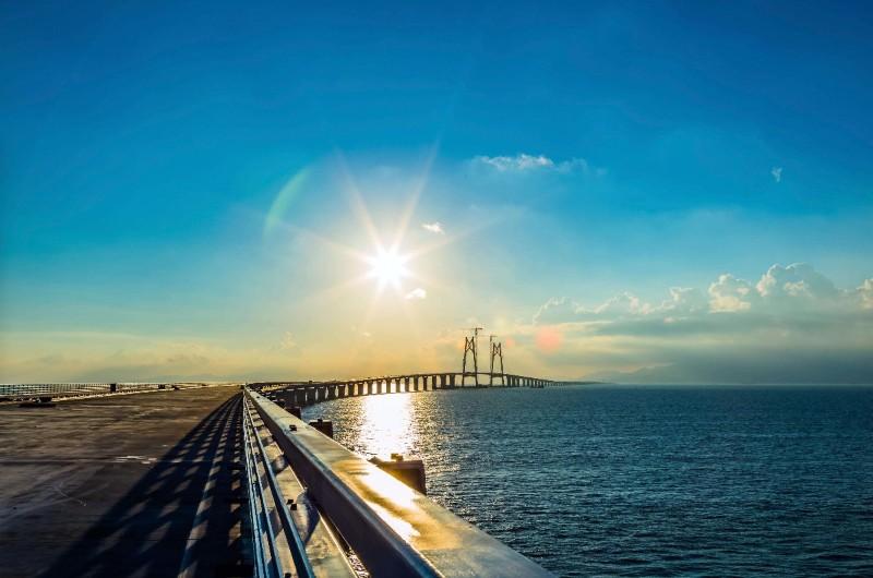 申请粤港经港珠澳大桥通行对商务车有什么要求 缴税要缴多少