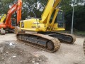 个人原装二手的小松挖掘机120
