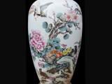 蓝国华紫归锦堂春陶瓷 每个瓶子细节处不尽相同
